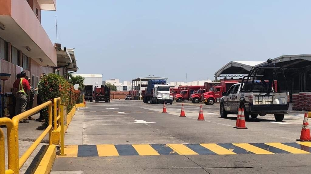 Muere dentro de Refresquera en BocadelRio, Veracruz. Noticias en tiempo real