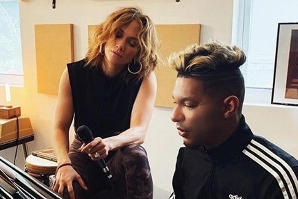 Los looks de Jennifer López en su nuevo video